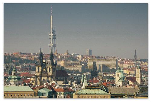 Жижковская телебашня в Праге видна отовсюду — буквально, из любой точно города. И далеко не все этому рады.