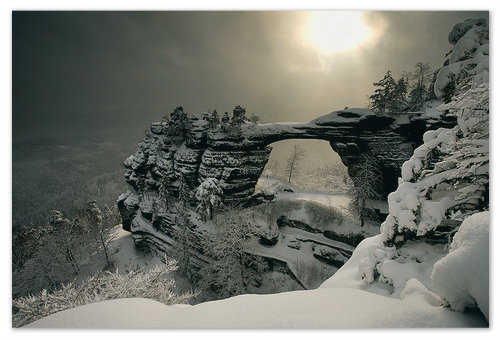 Правчицкие ворота зимой — это вам не летом. Зимой — это прямо Мордор какой-то.