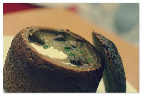 Рецепт грибного супа в хлебе.