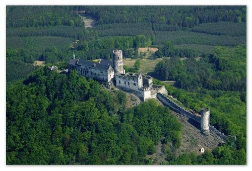 Резиденция чешских королей — готический замок Bezděz.