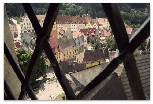 Вид на город из замковой башни.