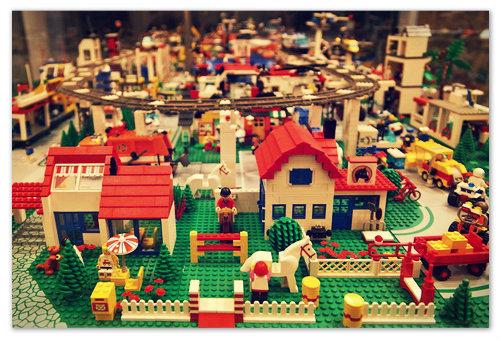 Поделки из конструктора LEGO.