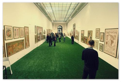 Один из двух залов выставки: приготовьтесь — здесь вы проведёте несколько часов и будете вспоминать их всю жизнь.