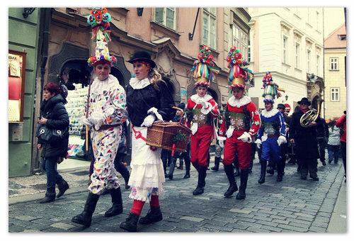 Праздничное шествие в Праге.