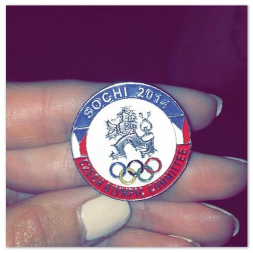 Значок, посвящённый сочинской Олимпиаде.