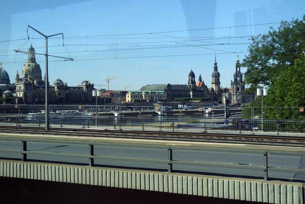 Въезжаем в Дрезден.