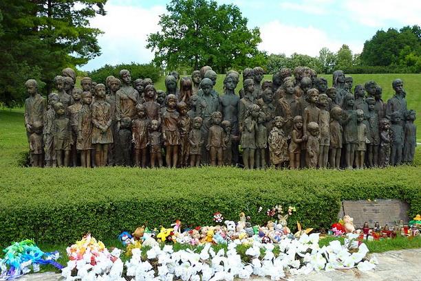 «Мемориал Детским Жертвам войны» Марии Учитиловой в Лидице.