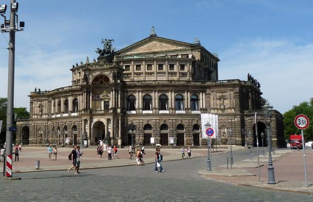 Semperoper — опера Земпера в Дрездене.
