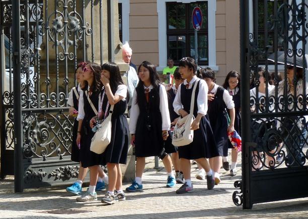 Корейские школьницы.