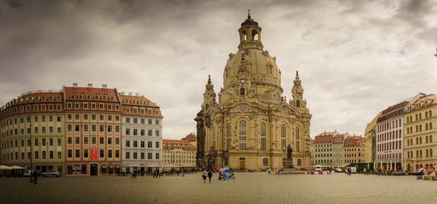 Лютеранская церковь Frauenkirche была разрушена во время Второй мировой войны. Её восстановили недавно.