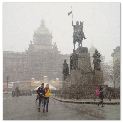 В Праге идёт снег.