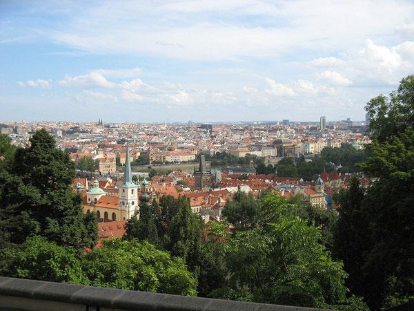 Вид на Прагу в Петршиного холма.