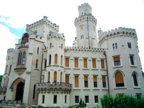 Красивый дворец.