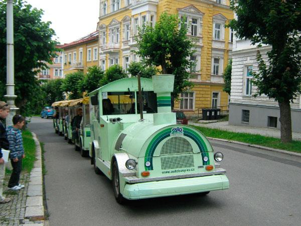 Экскурсионный паровозик.
