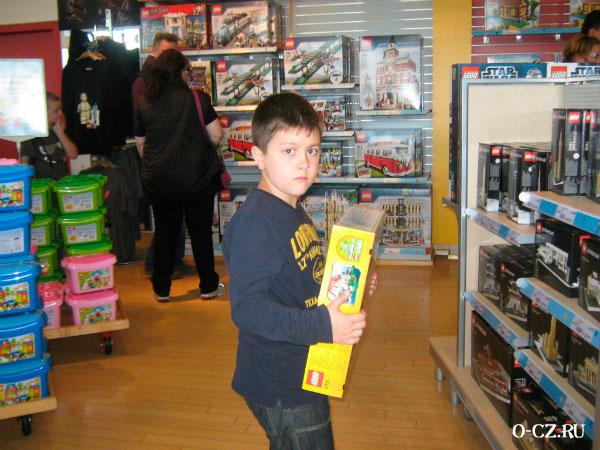 Магазин Лего.