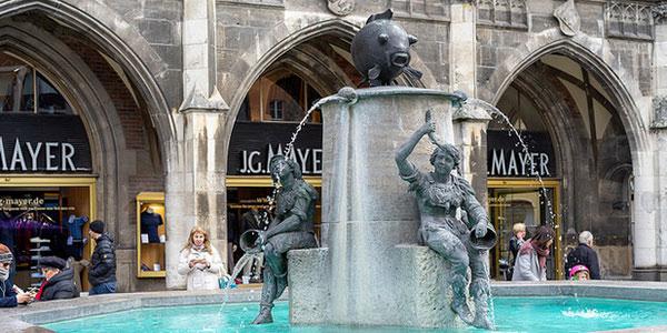 Рыбий фонтан на Мариенплац.