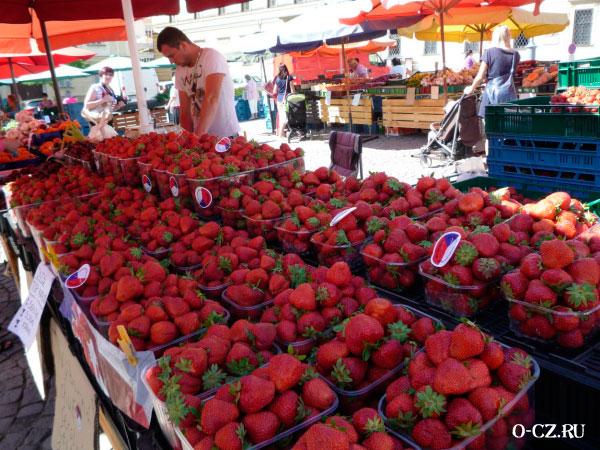 Местный рынок.