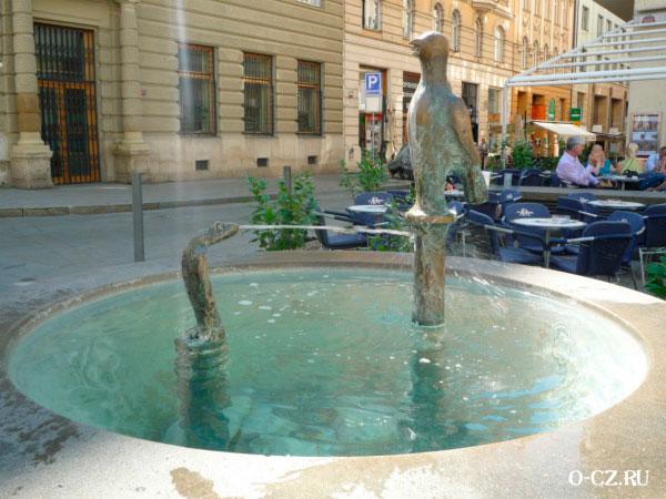 Интересный фонтан.